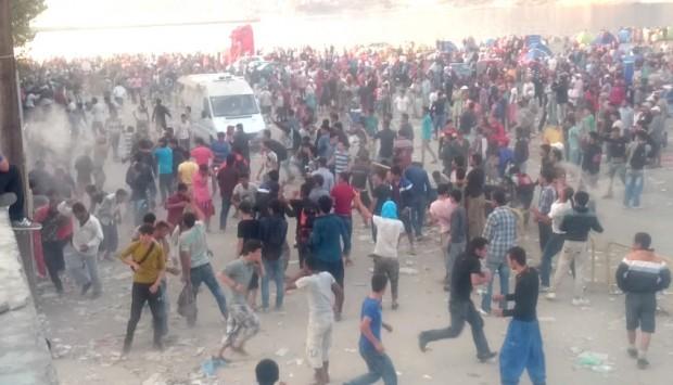 Μυτιλήνη: Εκκενώνεται το λιμάνι μετά τα πρωτοφανή επεισόδια - Μετανάστες προσπάθησαν να καταλάβουν πλοίο!