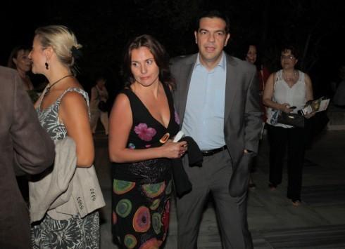 Λάρισα: Η Άννα Βαγενά ήθελε να κάνει προξενιό τον Τσίπρα στην κόρη της - ''Ας με συγχωρέσει η Μπαζιάνα''!