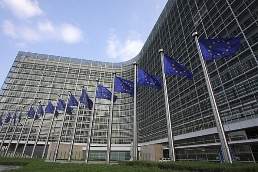 Στέλεχος Κομισιόν: Συζητάμε την κλίμακα αναδιάρθρωσης του χρέους και πότε θα γίνει