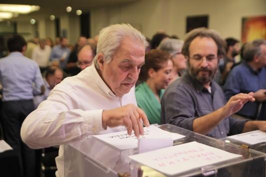 Ο Αλέκος Φλαμπουράρης για την εμπλοκή του με το πόθεν έσχες - Ψάχνουν τον υπουργό με το 1 εκατ. ευρώ