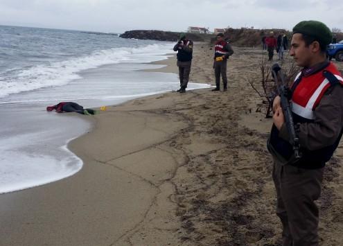 Νέα τραγωδία: Ναυάγιο με εννέα νεκρούς – Ανάμεσά τους δυο παιδιά