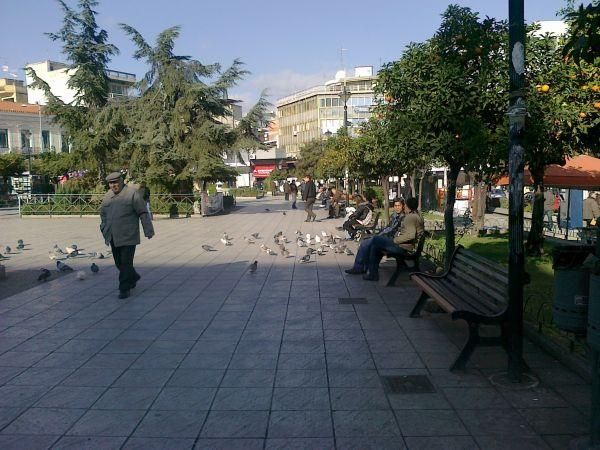 Η πλατεία Πάρκου στο κέντρο της Λαμίας (Φωτό από lamiareport.gr)