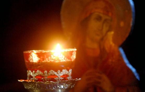 Μήνυση σε μοναχό γιατί... πέταξε πέτρες στην εικόνα της Παναγίας Τρυπητής!