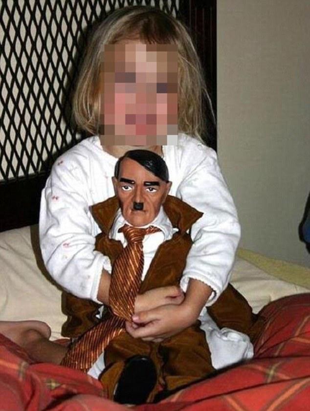 Πήρα μια κούκλα στη μικρή για τα γενέθλιά της για να έχει εφιάλτες