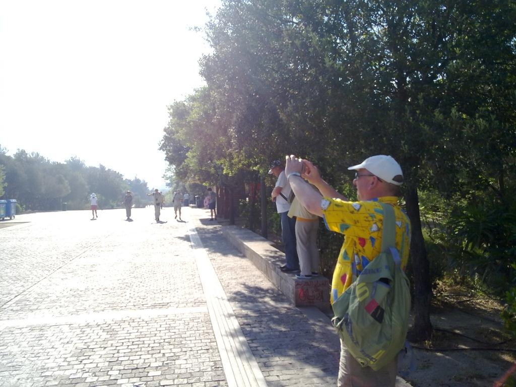 Οι τουρίστες πήγαν να φωτογραφήσουν την Ακρόπολη αλλά τελικά την είδαν από μακριά.... ΦΩΤΟ NEWSIT