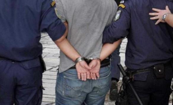 Συνελήφθη γνωστός τραγουδιστής για χρέη 400 χιλιάδων!