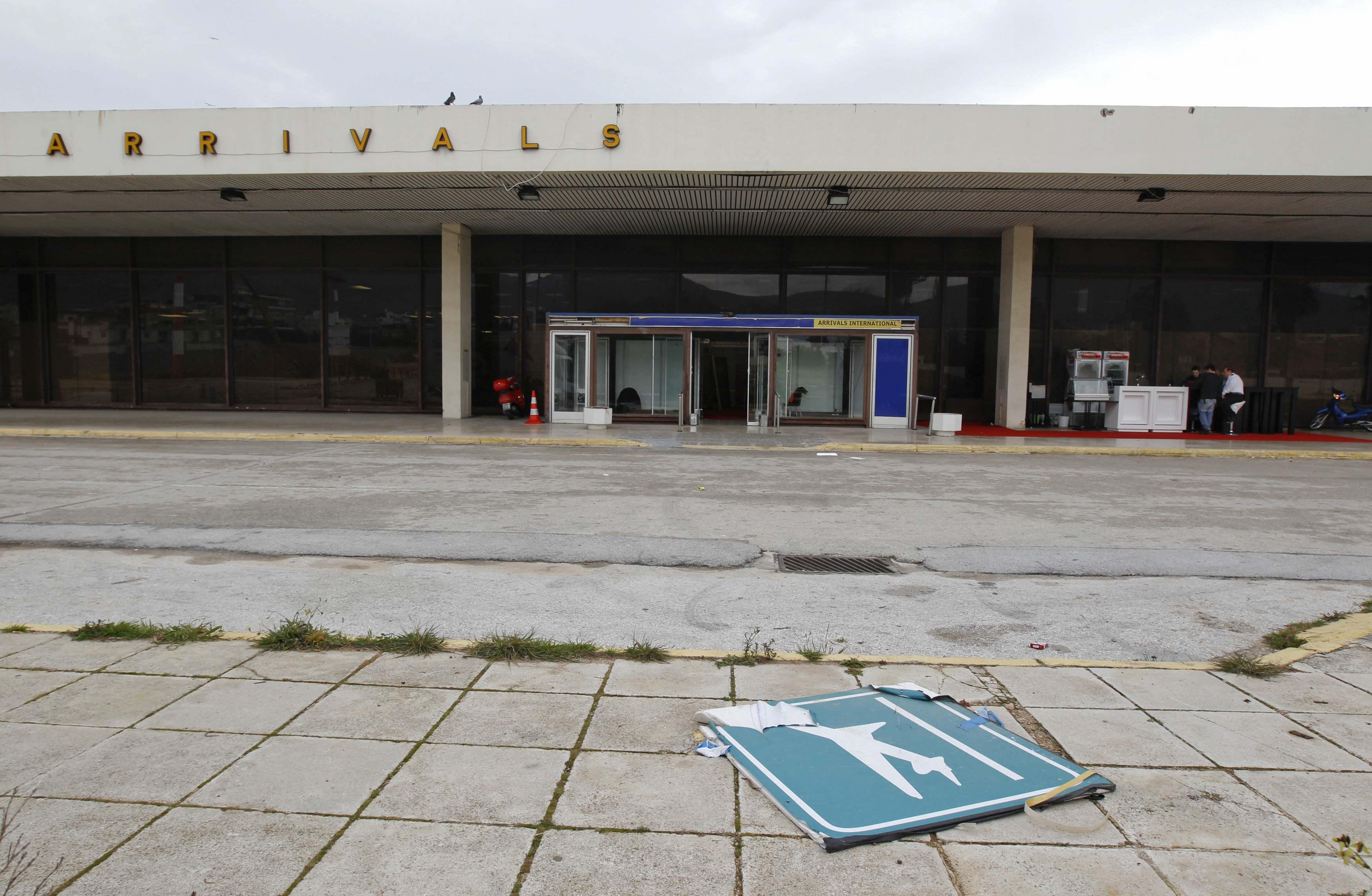 """Το πρώην αεροδρόμιο στο Ελληνικό, """"άψυχο"""" τώρα πια"""
