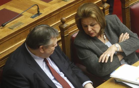 Καταψήφισε το άρθρο 37 η Λούκα Κατσέλη - Διεγράφη από την Κ.Ο του ΠΑΣΟΚ - Σε εξέλιξη η ψηφοφορία