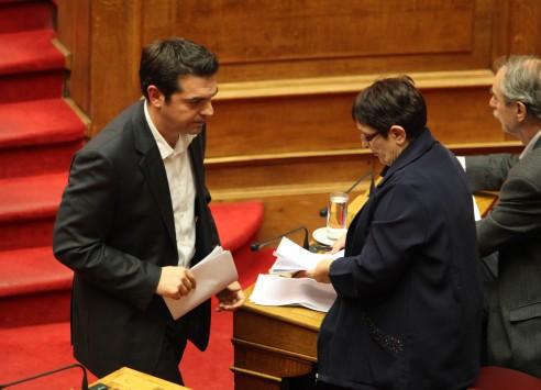 ΣΥΡΙΖΑ και ΚΚΕ μπροστά στο γενικό ξεπούλημα…
