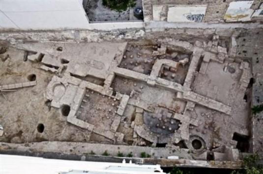 Νέα σημαντική ανακάλυψη – Βρέθηκαν αρχαία λουτρά δίπλα στην Ακρόπολη