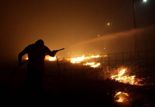 Μεγάλη φωτιά κοντά στον Άγιο Κωνσταντίνο