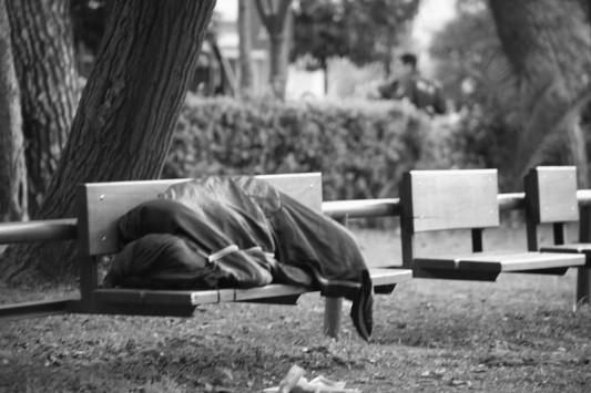 """""""Στις δεκαετίες του '50 και του '60 θα γυρίσει η Ελλάδα με τα νέα μέτρα"""""""