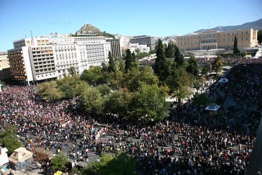 Όλη η χώρα στους δρόμους - Πανελλαδική απεργία κατά των νέων σκληρών μέτρων