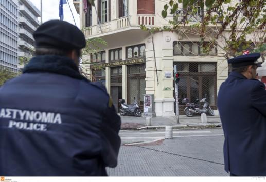 Αστυνομικοί κάνουν μεροκάματα στη Χρυσή Αυγή;