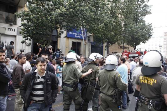 "N. Δημοκρατία: ""Οι κουκουλοφόροι του ΣΥΡΙΖΑ να ξέρουν πως δεν θα υπάρξει νέα Marfin"""