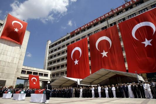 """Οι μπουνταλάδες Τούρκοι """"βρήκαν"""" στρατόπεδα τρομοκρατών σε Κινέτα και Δήλεσι."""