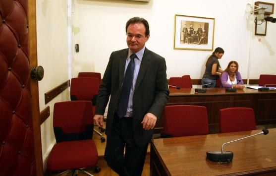 Καταπέλτης για Γ. Παπακωνσταντίνου η πρόταση για σύσταση προανακριτικής επιτροπής για την λίστα Λαγκάρντ