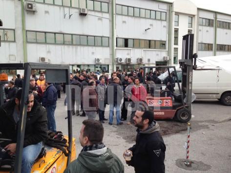 Στα άκρα η μάχη: Με 24ωρες επαναλαμβανόμενες έως την Τρίτη απαντούν όλοι οι εργαζόμενοι στα μέσα μεταφοράς στην επιστράτευση των εργαζομένων στο ΜΕΤΡΟ