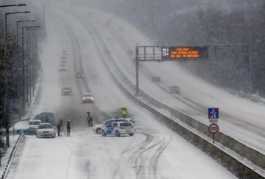 Αγωνία για έλληνες μαθητές λυκείου από τη Λάρισα - Έχουν εγκλωβιστεί στο πούλμαν εξαιτίας της πρωτοφανούς χιονοθύελλας στην Ουγγαρία