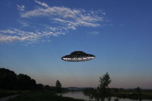 Πιλότος ισχυρίζεται ότι παραλίγο να συγκρουστεί με UFO