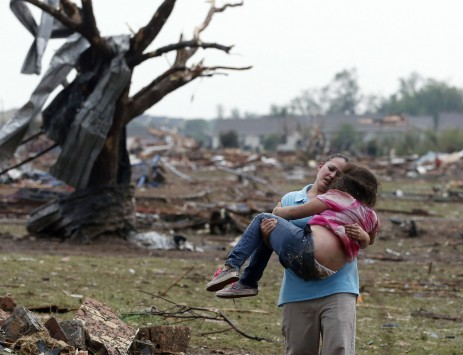 Βιβλική καταστροφή στην Οκλαχόμα. Στους 91 οι νεκροί μέχρι στιγμής. (ΔΕΙΤΕ LIVE ΑΠΟ ΤΟΝ ΤΟΠΟ ΤΗΣ ΤΡΑΓΩΔΙΑΣ)