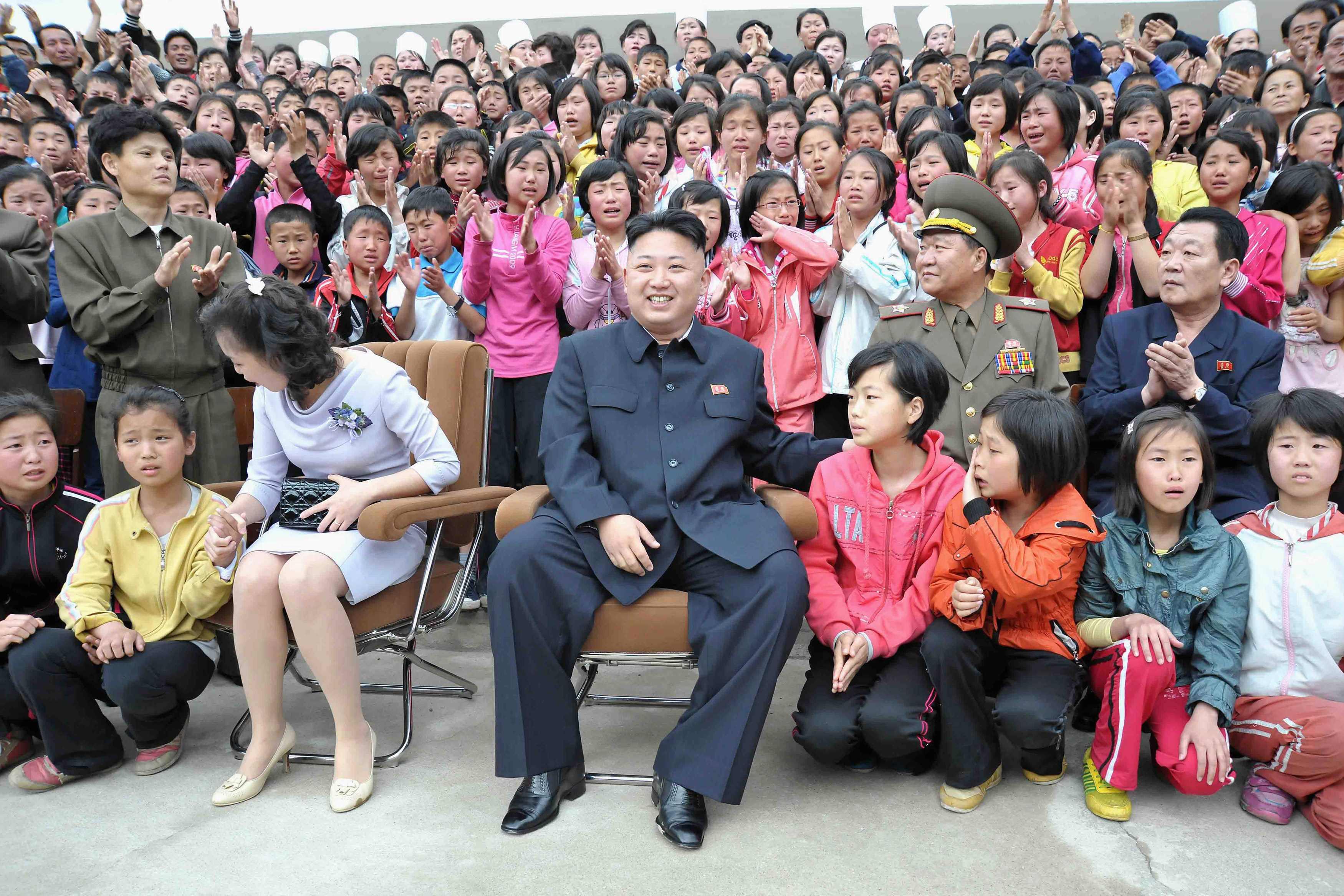 Αποτέλεσμα εικόνας για βορεια κορεα γελαει