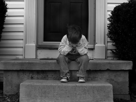 Στη δημοσιότητα τα στοιχεία του κτήνους που βίαζε τον 8χρονο στην Αργυρούπολη....
