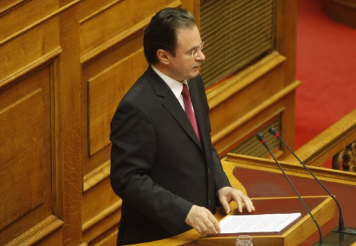 Για κακούργημα παραπέμφθηκε ο Γ. Παπακωνσταντίνου με 234 ψήφους....