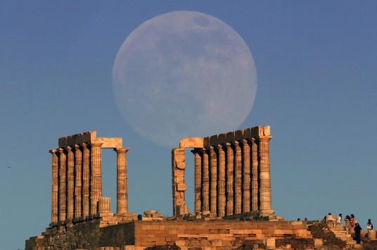 http://www.newsit.gr/files/Image/2013/06/23/resized/MOON8_536_355.JPG