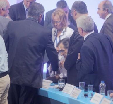 Κατέρρευσε ο Αντώνης Σαμαράς κατά τη διάρκεια της ομιλίας του στο συνέδριο της ΝΔ