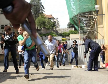 Φωτογραφίες ΣΟΚ από τη σφαγή σε εμπορικό κέντρο στο Ναϊρόμπι