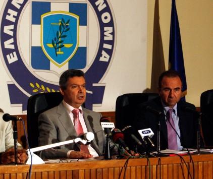 """Το παρασκήνιο των παραιτήσεων - σοκ στην ΕΛΑΣ. """"Διαφωνούσαμε"""" απαντούν οι δύο στο υπουργείο..."""