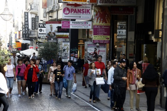 ΕΣΕΕ: Όσοι άνοιξαν την Κυριακή δεν είδαν να μπαίνουν στα ταμεία τους όσα περίμεναν