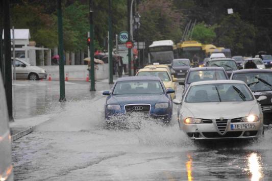 Αλλάζει το σκηνικό του καιρού - Βροχές, καταιγίδες και ισχυροί άνεμοι