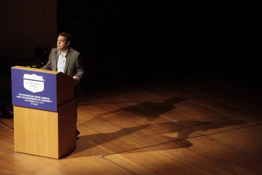 Ο Α. Τσίπρας δεσμεύτηκε για κατώτατο μισθό στα 751 ευρώ - Τί είπε για την πρόταση δυσπιστίας