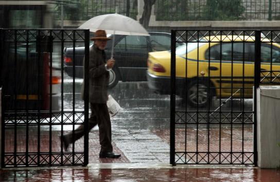 Βροχές και πτώση της θερμοκρασίας την Τετάρτη