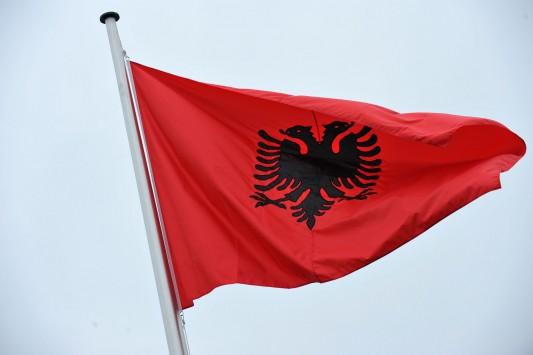Αλβανία: Μειώθηκε κατά 1,9% ο μέσος μισθός κατά το β' τρίμηνο του 2013
