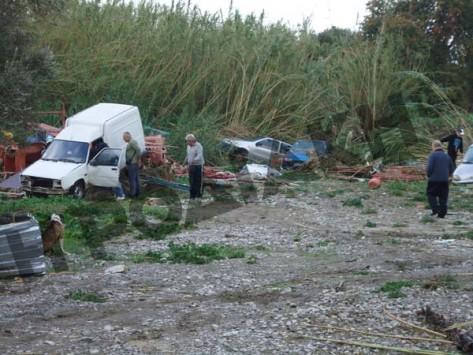 Τραγωδία με δύο νεκρούς και φόβοι για 4 αγνοούμενους - Συγκλονιστικά video από την καταστροφή στη Ρόδο