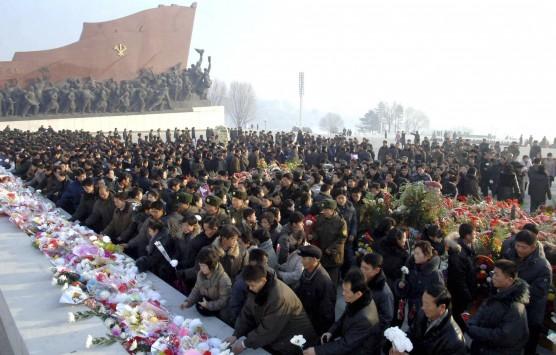 Βόρεια Κορέα: Από την εκτέλεση στην... παρέλαση για την επέτειο θανάτου του Κιμ Γιονγκ Ιλ (ΦΩΤΟ, VIDEO)