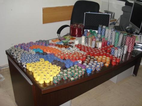 Κορινθία: Έφτιαξαν μίνι καζίνο μέσα σε διαμέρισμα