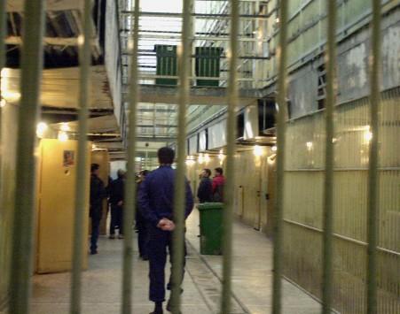 Κρήτη: Τον ξυλοκόπησαν και του φόρεσαν γυναικεία εσώρουχα - Φρίκη στις φυλακές!