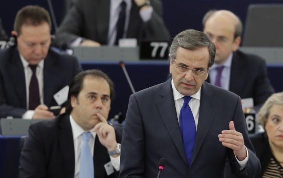 Άγρια επίθεση Νάιτζελ Φάρατζ στον Αντώνη Σαμαρά! «Να ονομάσετε το κόμμα σας ΜΗ Δημοκρατία – Δεν κάνεις εσύ κουμάντο, η Ελλάδα είναι υπό ξένη κατοχή!»