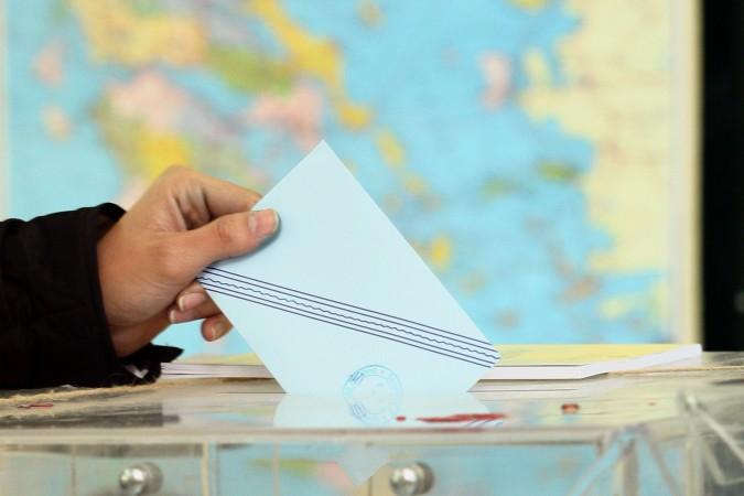 Η τρόικα θέλει να δεσμεύσει και τον ΣΥΡΙΖΑ – Πως οι διαπραγματεύσεις με την κυβέρνηση φέρνουν πρόωρες εκλογές