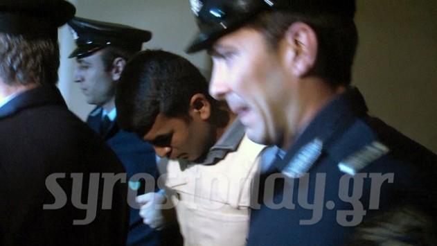 Σύρος: ''Βίασα τη Μυρτώ για να μην με ακολουθήσει'' - Σοκάρει η απολογία του Πακιστανού για το έγκλημα της Πάρου!