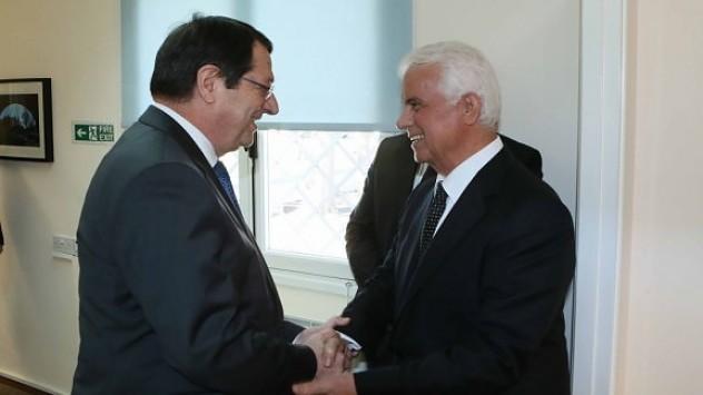 Νέα εποχή για το Κυπριακό - Αρχίζουν συνομιλίες Αναστασιάδη - Έρογλου - Διαβάστε την Κοινή Διακήρυξη (VIDEO - ΦΩΤΟ)