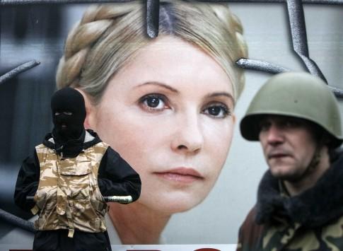 Tο λουτρό αίματος στην Ουκρανία έφερε την αποφυλάκιση της Γιούλια Τιμοσένκο