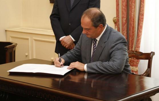 Με υπογραφή Καραμανλή `γεννήθηκε` η πρώτη ΜΚΟ – Την πλήρωναν 8 εκατ. ευρώ για να... μετράει τις υπόλοιπες – Ρόντος: Ο Γιώργος τις έβαλε σε τάξη