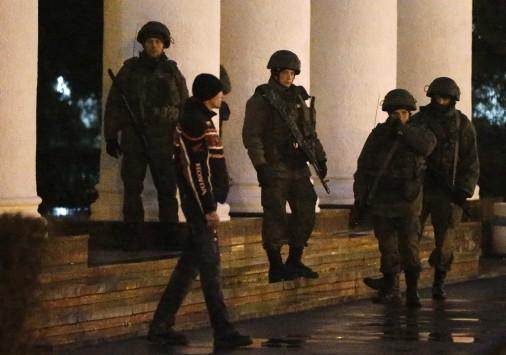 Συγκλονιστικές εξελίξεις! 2.000 Ρώσοι στρατιώτες εισβάλλουν στην Κριμαία! - Συνεδριάζει το Συμβούλιο Ασφαλείας του ΟΗΕ