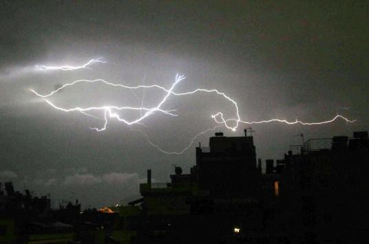 Έκτακτο δελτίο επιδείνωσης του καιρού - Έρχονται ισχυρές καταιγίδες!