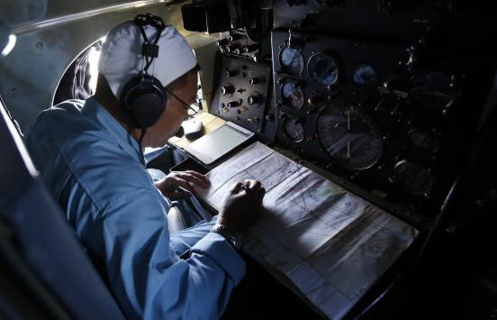 Σα να άνοιξε η Γη και να το κατάπιε - Δεν ήταν σωσίβια λέμβος από το Boeing της Malaysian Airlines το αντικείμενο που βρέθηκε να επιπλέει